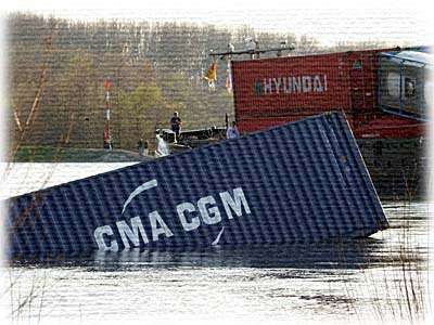 damaged container 03